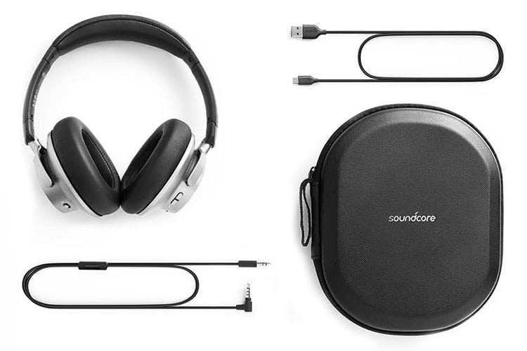 Transport-Case und Kabel sind bereits im Lieferumfang des Anker Soundcore Space NC enthalten