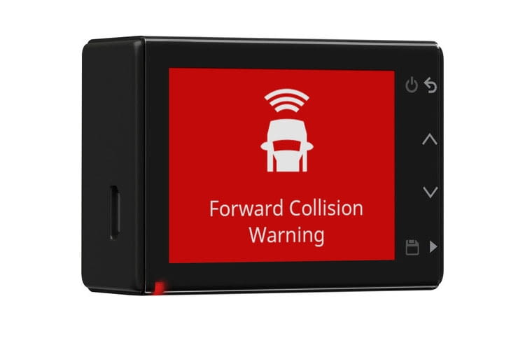 Garmin Dash Cam 55 warnt vor zu kurzen Abständen zum Vorderfahrzeug - das erhöht die Sicherheit
