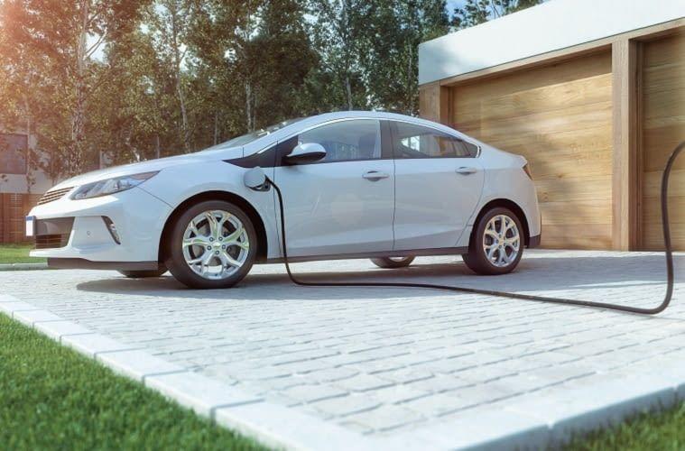 Das Verknüpfen von Ladestation, Photovoltaik-Anlage & E-Auto bietet viele Vorteile