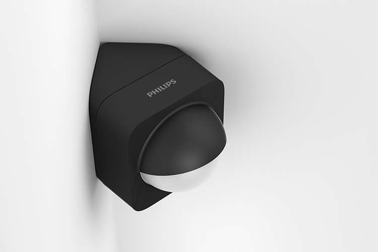 Hier wurde Philips Hue Outdoor Sensor in einer Hausecke montiert