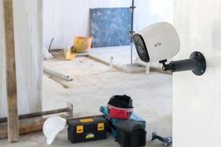 Der Standort von Arlo Go kann dank einfacher Installation jeder Lebenslage angepasst werden