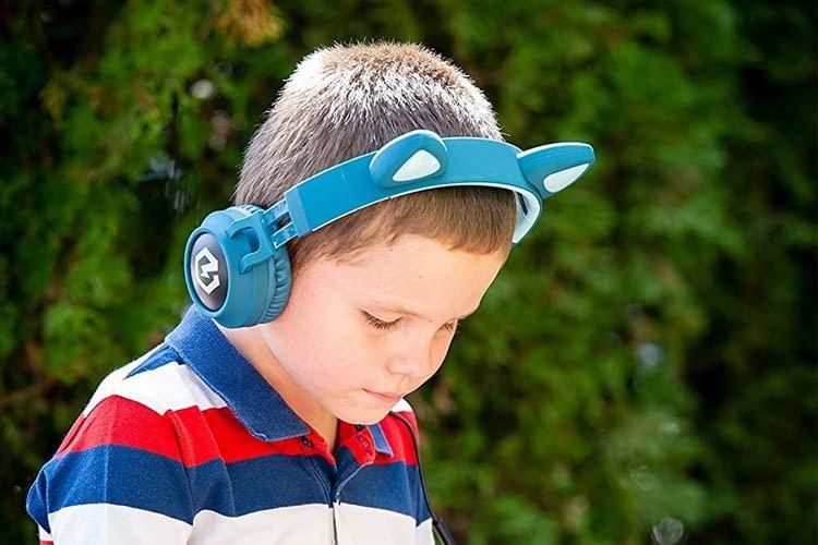 Die PowerLocus Bluetooth Kinderkopfhörer besitzen niedliche Katzenohren, die leuchten können