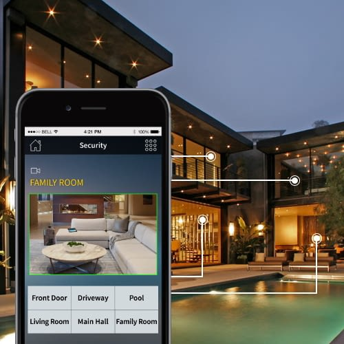 Die Crestron Smartphone-App ermöglicht auch von unterwegs die Kontrolle über die Haustechnik