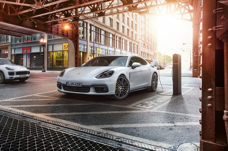 Der Super-Stromer von Porsche beschleunigt in nur 4,6 Sekunden auf 100 km/h