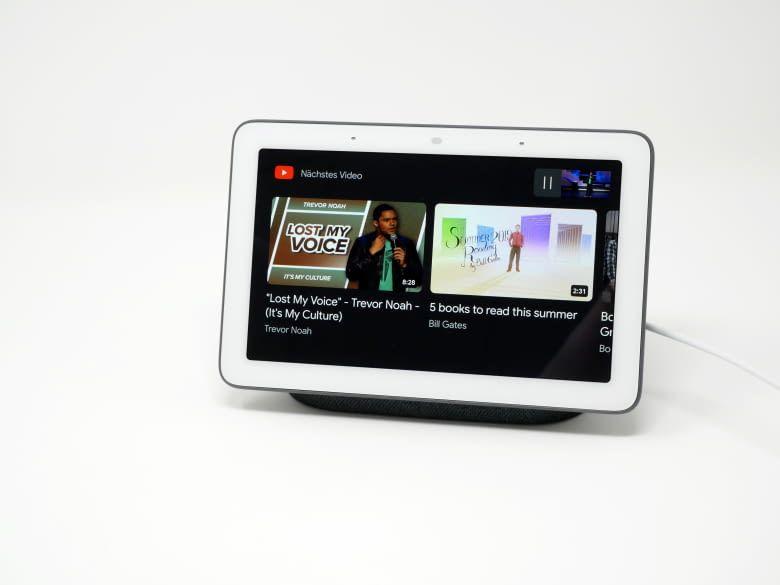 Google Nest Hub zeigt auf Wunsche Videoempfehlungen bei YouTube