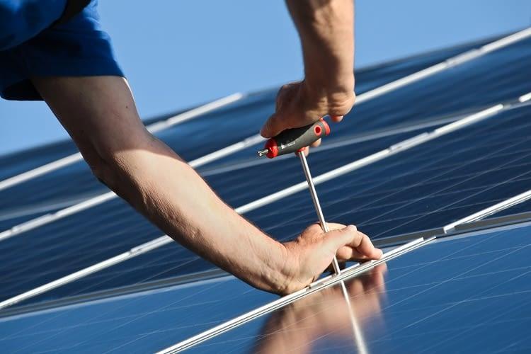 Über Crowdinvesting kann jeder bei der Solaranlagen-Finanzierung helfen