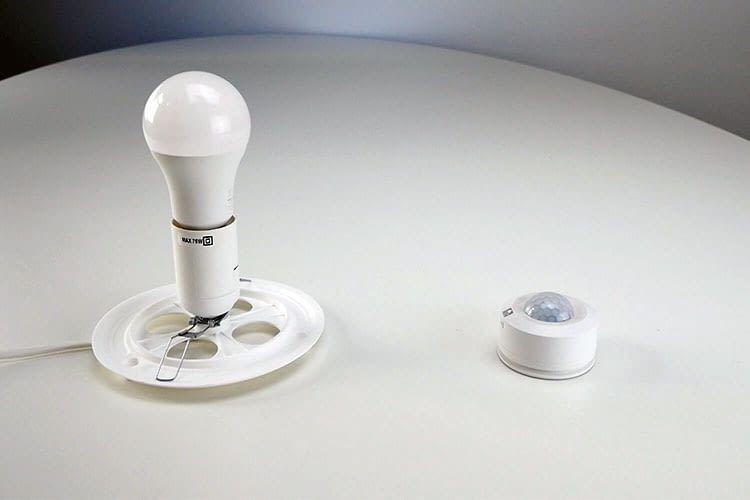 Im Test kam es zwischen dem Auslösen des LSC Smart Connect Bewegungsmelders und der gewünschten Aktion zu Latenzen
