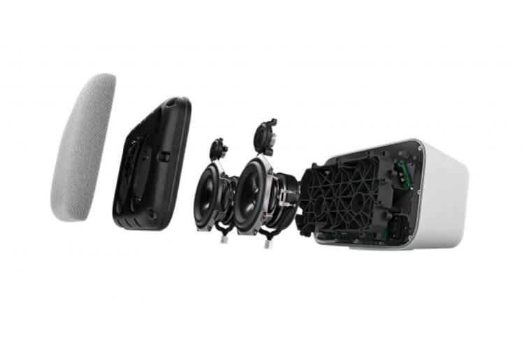 Die vier Lautsprecher sitzen - wie vom Google Home gewohnt - hinter einer Stoffverkleidung