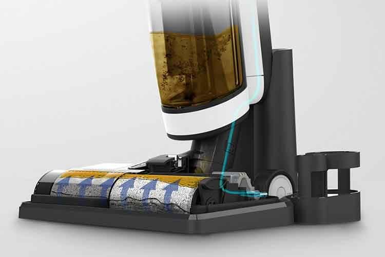 Tineco Floor One S3 arbeitet mit einer Reinigungsrolle. Darüber befindet sich der Schmutzwassertank