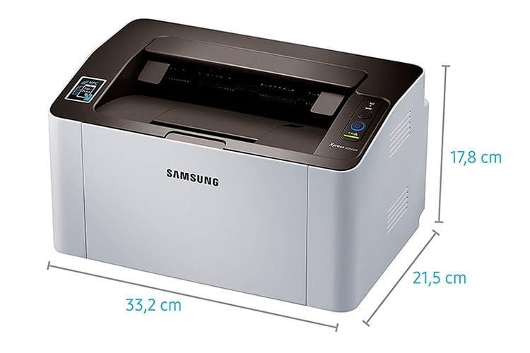 Passt mit knapp 22 cm Tiefe auch ins Regal: Samsung Xpress SL-M2026W SW-Laserdrucker