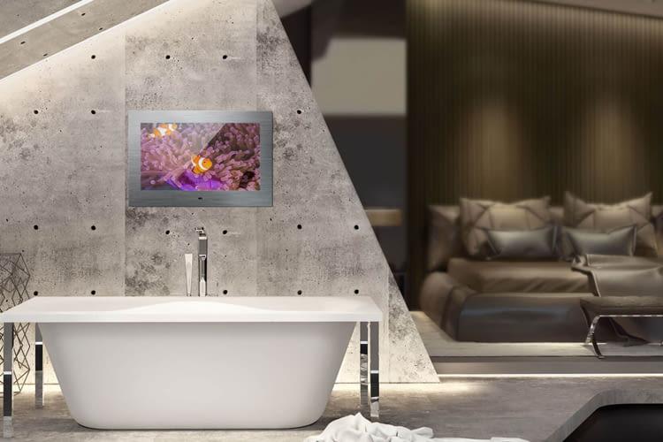 Mit den wasserfesten Spiegel TVs lässt sich Entertainment auch im Bad genießen