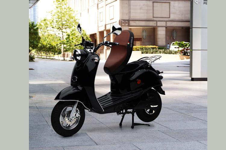 Für Stadtbewohner mit geeigneter Lademöglichkeit ist dieser E-Roller ein praktisches Fortbewegungsmittel