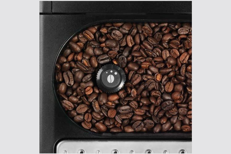 Der transparente Vorratsbehälter fasst 275 Gramm Kaffeebohnen