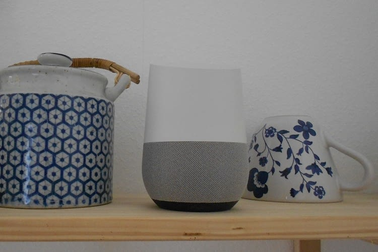 Optisch unaufdringlich: Google Home fügt sich gut ein