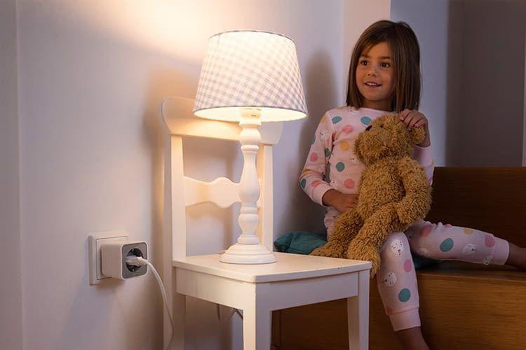 """Die Aufforderung """"Licht aus!"""" können Kids nicht mehr umgehen, wenn die Eltern eine Appsteuerung haben"""