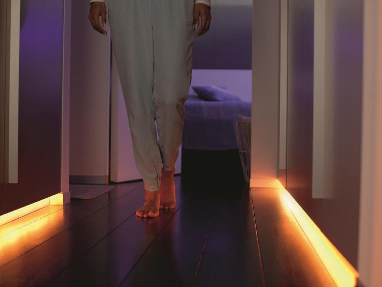 Philips Hue LightStrip Flurbeleuchtung