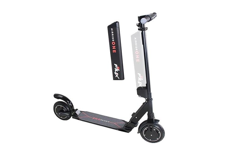 Der eFlux Airride Elektro-Scooter hat besonders viele praktische Zusatzfeatures