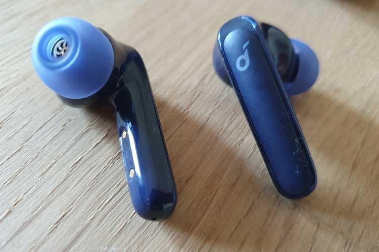Dank verschiedener Aufsätze, lassen sich die Soundcore Life P3 Earbuds auf jedes Ohr individuell anpassen
