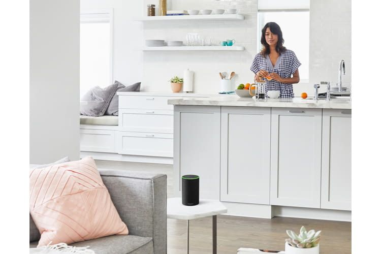 Wer beim Kochen alle Hände voll zu tun hat, kann mit Alexa trotzdem schon mal den nächsten Einkaufen planen
