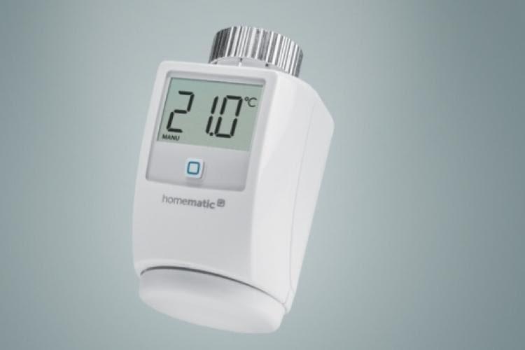 Das Homematic IP Heizthermostat zeigt alle wichtigen Informationen auf dem Display an