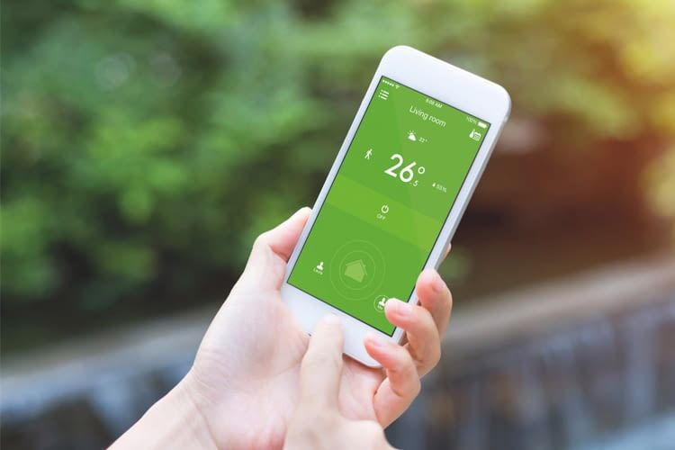 Mit der smarten Klimaanlagensteuerung von tado° das zuhause von unterwegs runterkühlen