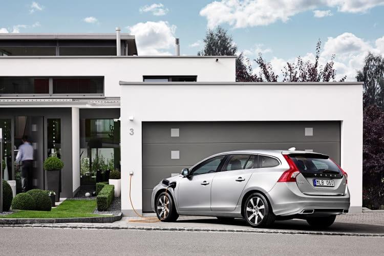 Der Volvo V60 D6 vereint Dieseltechnik mit einem Elektroantrieb
