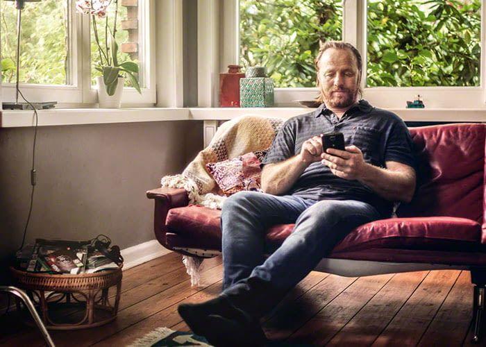 Per Smartphone App lässt sich der Bosch Indego 350 Connect auch remote steuern