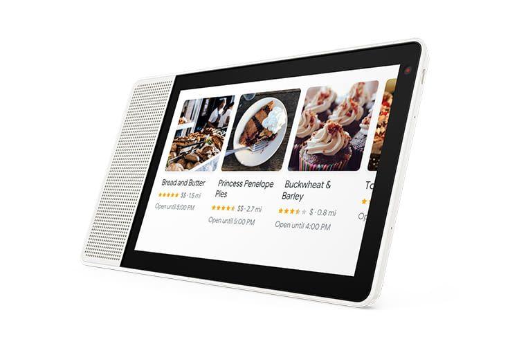 Sprachassistent Google zeigt im Lenovo 10-Zoll-Display, wo sich die nächsten Bäckereien befinden