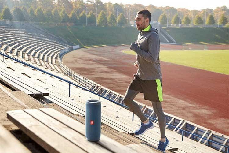 Mit gutem Sound läuft der Workout besser - der Bluetooth-Lautsprecher JBL Flip 5 sorgt dafür