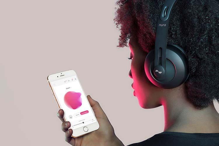 """Der """"Hörtest"""" des Nuraphone Bluetooth-Kopfhörers erfolgt über die App"""