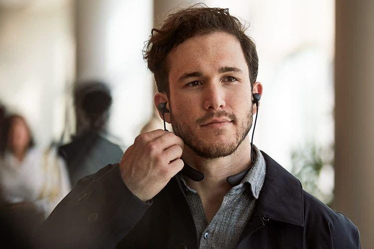 Der Bose QUietControl 30 In-Ear-Kopfhörer kann auch als Headset genutzt werden