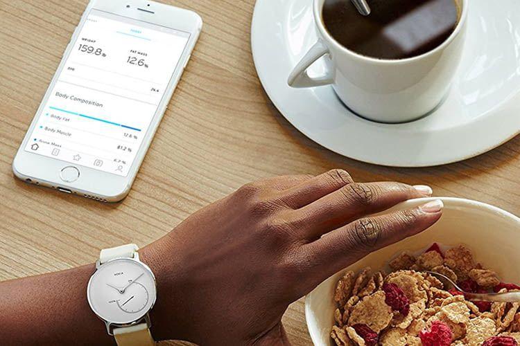 Die Withings Health Mate App kann mit bestimmten Fitnesstrackern gekoppelt werden oder selbst Schritte zählen