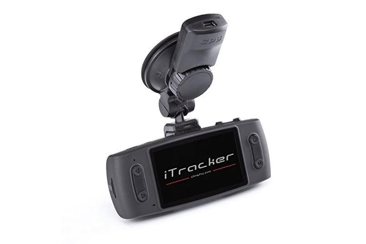 Die Dashcam iTracker GS6000 -A12 wird über eine Saugnapfbefestigung an der Scheibe festgemacht