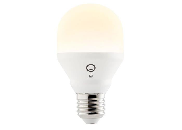 Die LIFX White WLAN LED Lampe leuchtet warmweiß und ist dimmbar