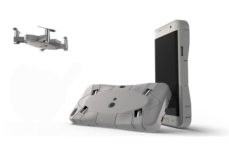 Die SELFLY-Drohne versteckt sich zusammengeklappt in der Handyhülle