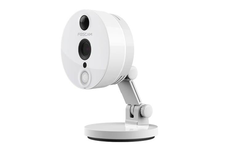 Die Foscam C2 sichert die Videoaufnahmen über ein NAS oder die Cloud