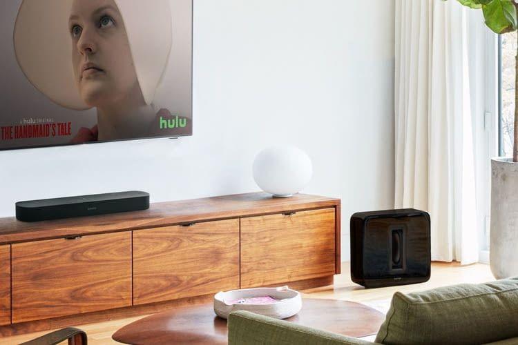 Mit nur 65 Zentimetern passt Beam unter die meisten Fernseher