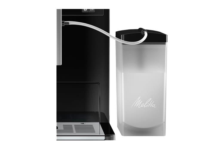 Der Milchbehälter lässt sich einfach lösen und in der Spülmaschine reinigen