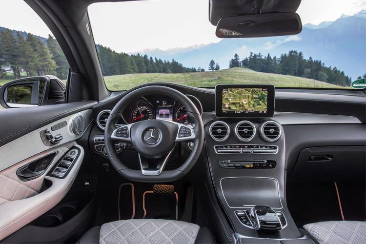 Galt die Marke Mercedes früher als altbacken, zeigt sie sich heute mehr als modern