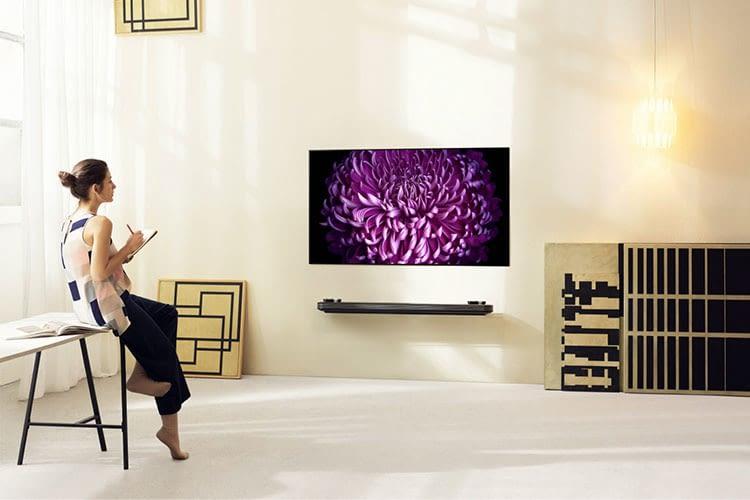 Der LG Signature W7V Wallpaper TV ist bereits im Handel erhältlich