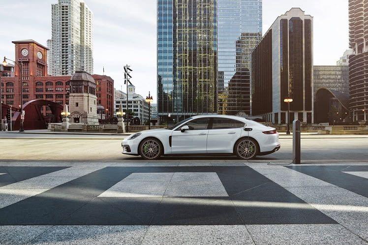 Wie schlägt sich der Porsche Panamera E-Hybrid im Reichweiten-Ranking der Elektroautos?
