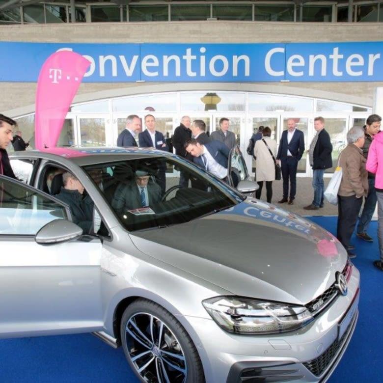 VW stellte den GTI Prototypen mit vernetzter Magenta Lösung auf der CeBIT vor