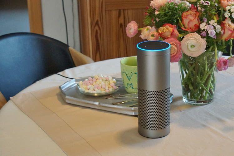 Egal ob beim Frühstück oder Nachmittagskaffe: Alexa hält immer die aktuellsten News bereit