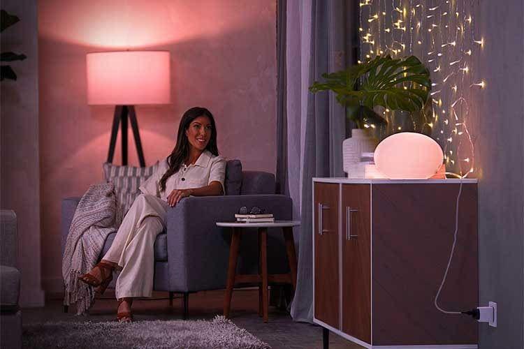 Auch herkömmliche Lampen lassen sich per Philips Hue Smart Plug einfach per App ein- und ausschalten