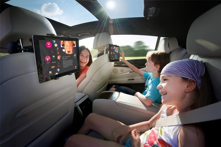 Streamen und surfen im Auto – der mobile Hotspot mit CarConnect eignet sich vor allem für Familien