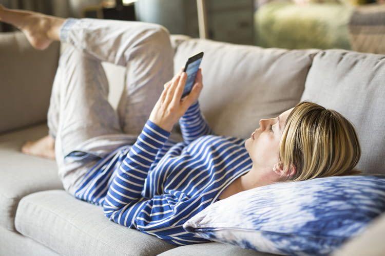 Immer mehr Menschen steuern ihr Zuhause per App oder Sprache