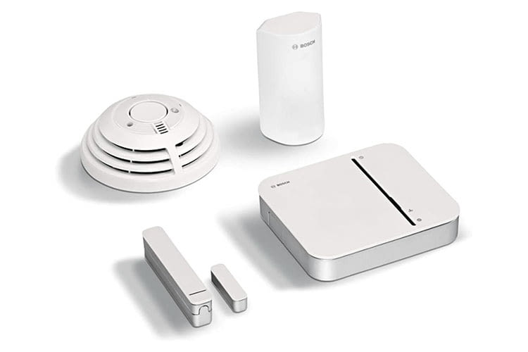 Das Bosch Smart Home System in weiß-silberner Optik gefällt mit schlichtem aber doch edlen Design