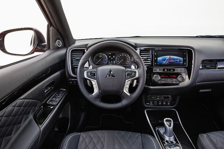 Mitsubishi Outlander Plug-in-Hybrid mit hochwertigigem Innenraum