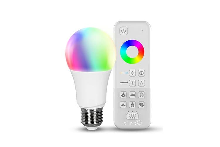 Das ALDI tint Samrt Light Starter Set inklusive Fernbedienung beinhaltet ein LED-Leuchtmittel