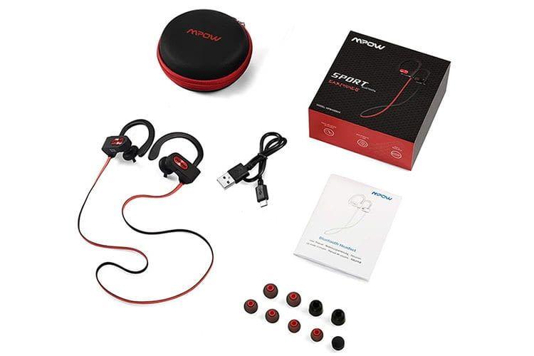 Mpow liefert den Sport-Kopfhörer Mpow Flame mit reichlich Zubehör aus